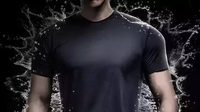 """广东真正的""""黑科技T恤""""防水防污冷感防皱透气速干超弹7效合1"""