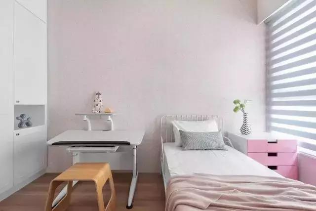 112平简约北欧三居室,清新原木+靓丽软装营造自在、舒适空间!