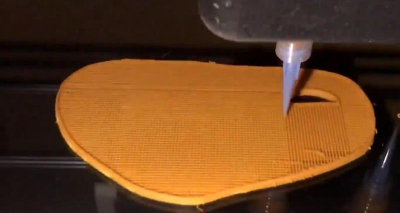 """3D打印牛排,进程像""""织毛衣"""",制品出去无法了:吃不下往"""