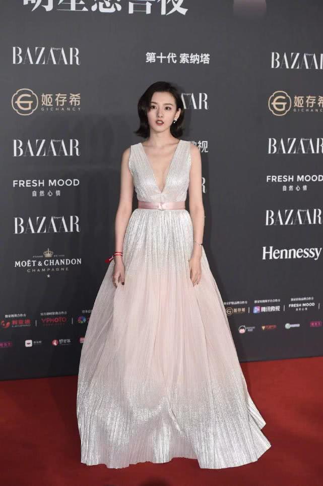 冯绍峰两位前女友与赵丽颖同台,风情万种的倪妮艳压了林允跟颖宝