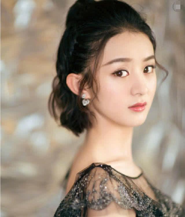 李湘曾责骂赵丽颖,陈晓在场不敢出声,颖宝九字回应,网友:漂亮