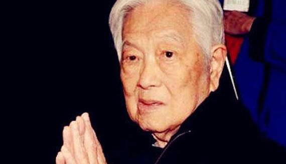 琼瑶丈夫平鑫涛去世,曾因不照看重病老公被批,还被丈夫原配手撕