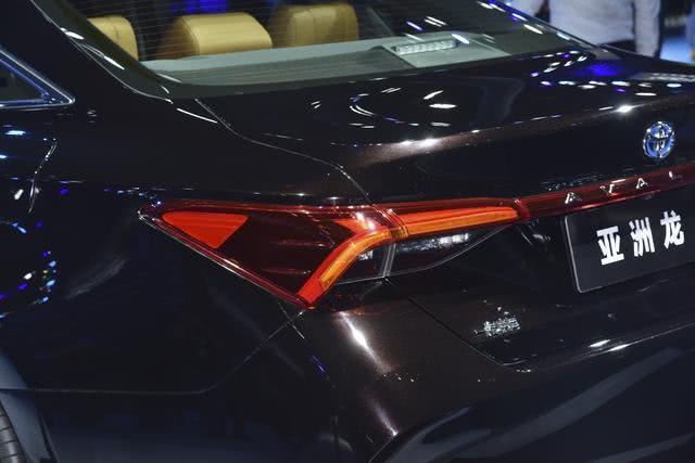 一汽丰田本日发布亚洲龙预卖价, 起卖价太低, 完整不按套路出牌!