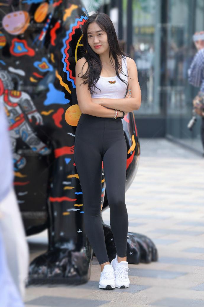 运动套装的魅力除了显身材,还能突出年轻活力范儿
