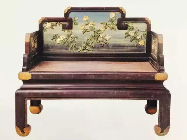 瞧! 那皆是故宫不随意马虎展现的紫檀家具!
