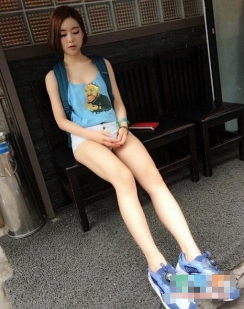 """韩国""""魔女DJ""""走红,一双""""奶糖腿""""成招牌,堪称行走的荷尔蒙"""