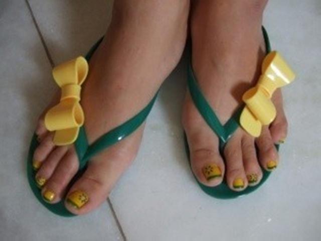 巴西的黄绿色制服几乎人手一件