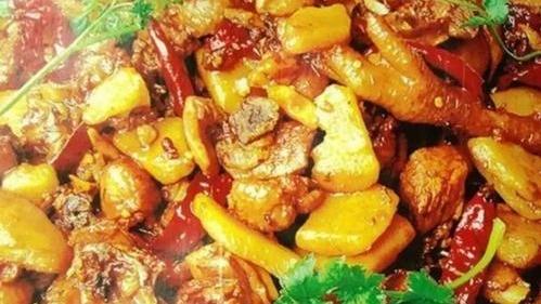 不到新疆也能吃到新疆经典名菜,新疆大盘鸡,皮带面的做法已发,学会在家都能做