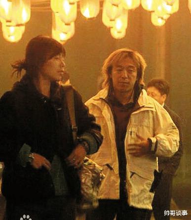 """46岁黄渤老婆照片曝光,原来是熟悉的她,难怪""""看不上""""林志玲"""