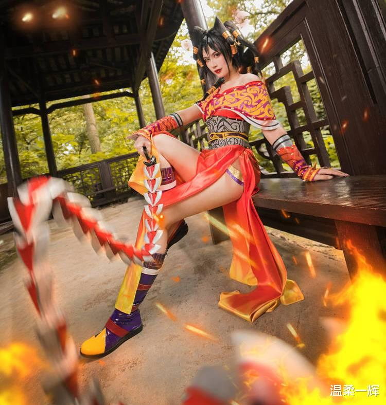 《【煜星平台登录地址】火辣cos只想到腐团儿的不知火舞?动漫中的国风女神同样惊艳!》