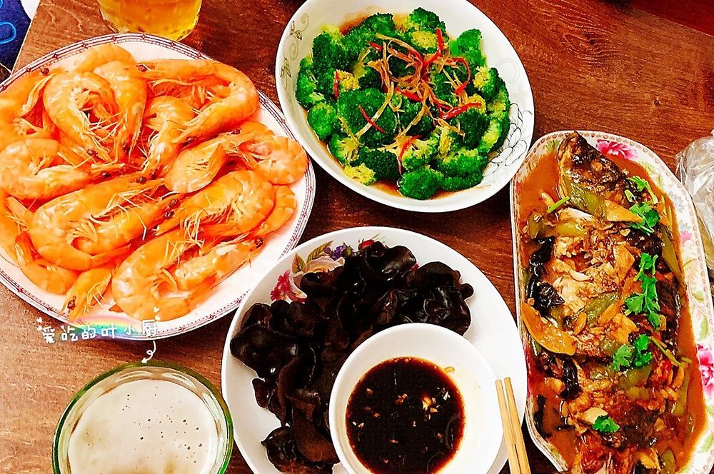 这年头吃肉的多还是吃素的多?随机挑选8位网友,看看晚餐都吃啥