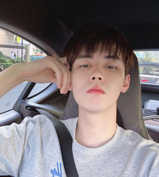 冰龙_R1SE任豪被爆暂停活动60天后,修改王者ID,疑似内涵网友批评
