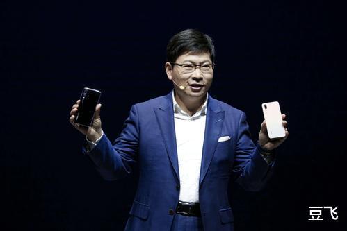 华为官方承认已掏空安卓,余承东宣布两件事,谷歌也没想到