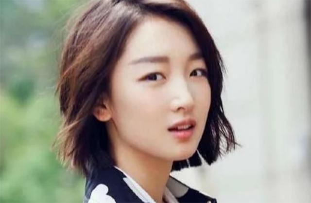 周冬雨喜获金像奖最佳女主角,好友马思纯称为她骄傲