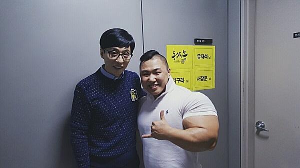 """韩国巨臂哥自称是""""韩国绿巨人"""",反遭嘲讽:绿巨人身高165cm?"""
