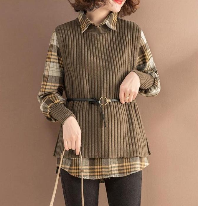"""今年火了一种穿搭:""""格纹衫+橄榄裤"""",时髦显瘦,温暖整个秋天"""