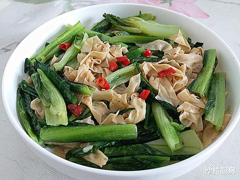 春天最该吃这时令蔬菜,2块5一斤,简单一炒,清香好吃还能瘦