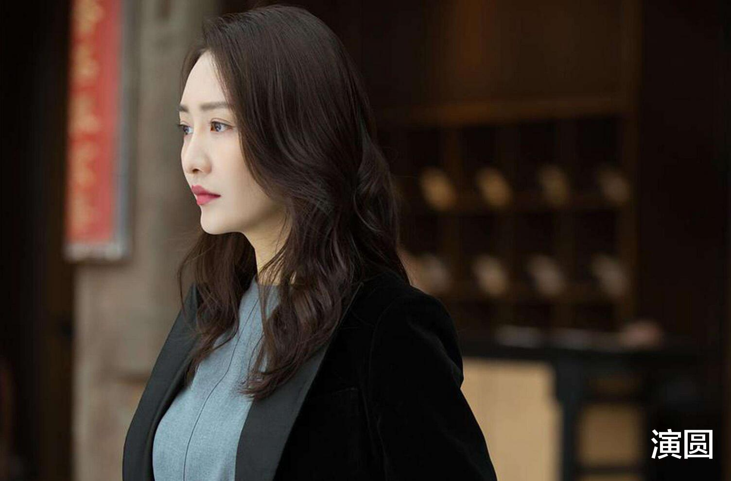 她出道就演女主获大奖,王鸥袁咏仪都是配角,今凭《琉璃》再爆红