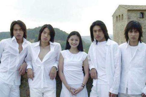 """魔兽世界情侣名字_16年前的雷剧,男主打架全程尬舞,反派是""""尬舞小王子""""王耀庆"""