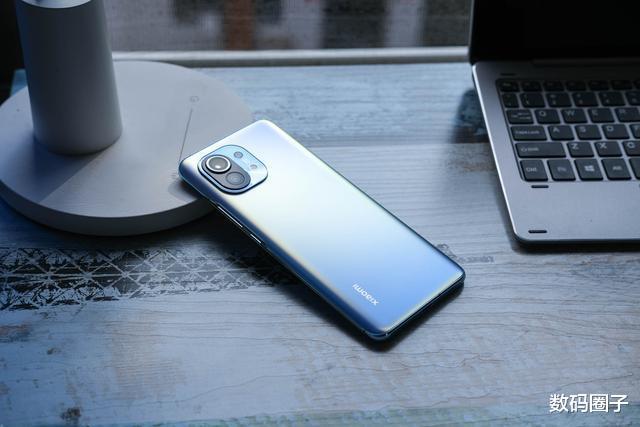 一月份最没性价比的手机,但是会有人买吗? 数码百科 第1张