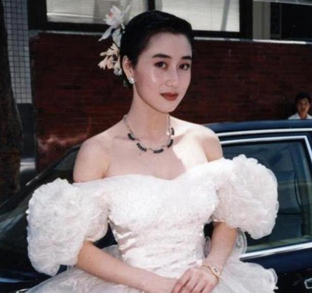 """利智为何""""吊""""了李连杰10年才肯嫁?她的背后隐藏着什么""""秘密""""?"""