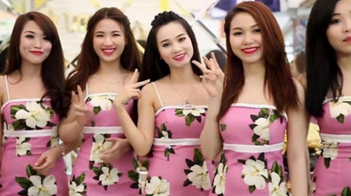 中国小伙到越南旅游,进入理发店3小时:2百花出了2千的感觉