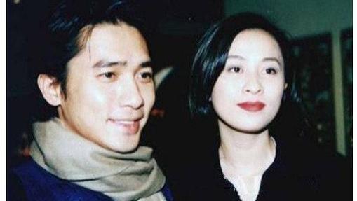 2008年,梁朝伟请张曼玉吃了一顿饭,谈完话以后,就娶了刘嘉玲