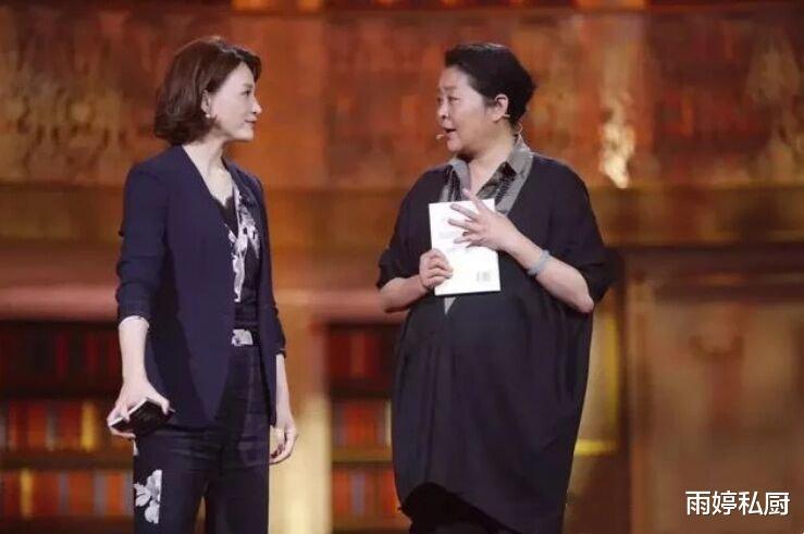 """60岁的倪萍瘦成董卿,变成""""姐姐""""坦言:减肥选对方法很简单"""