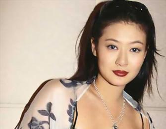 18年前,29岁陈宝莲纵身一跃,留下生父未知的婴儿今像极了黄任中插图10