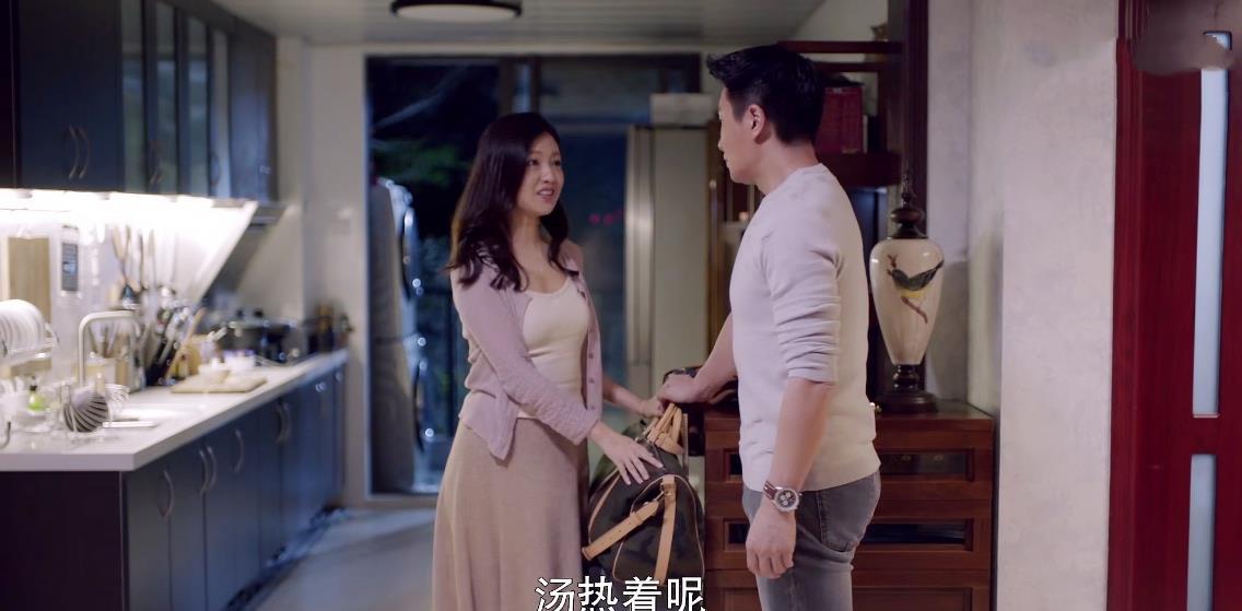 """靳东新剧遭翻车,评分仅5.2,""""中年怨妇团""""这次终于翻身了插图4"""