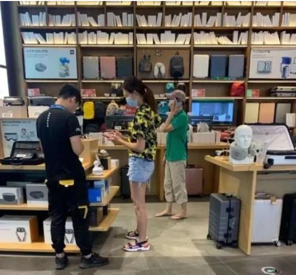 陈法蓉跟着蔡少芬一家大小回重庆,54岁的她孑然一身成电灯泡?