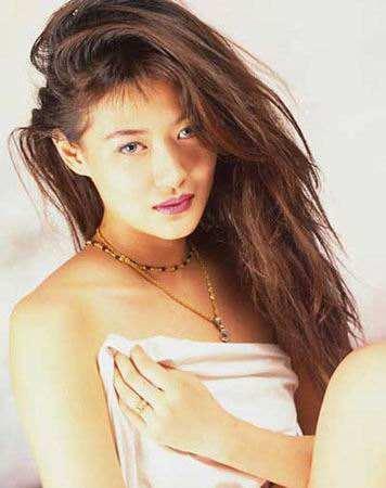 18年前,29岁陈宝莲纵身一跃,留下生父未知的婴儿今像极了黄任中插图24