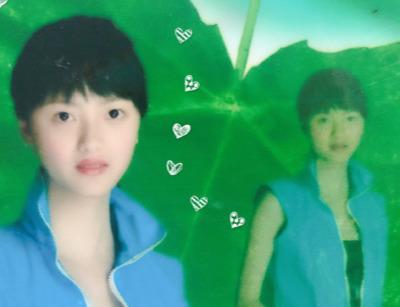 张芷溪晒出自己十几年前时的照片,满满的都是杀马特青春