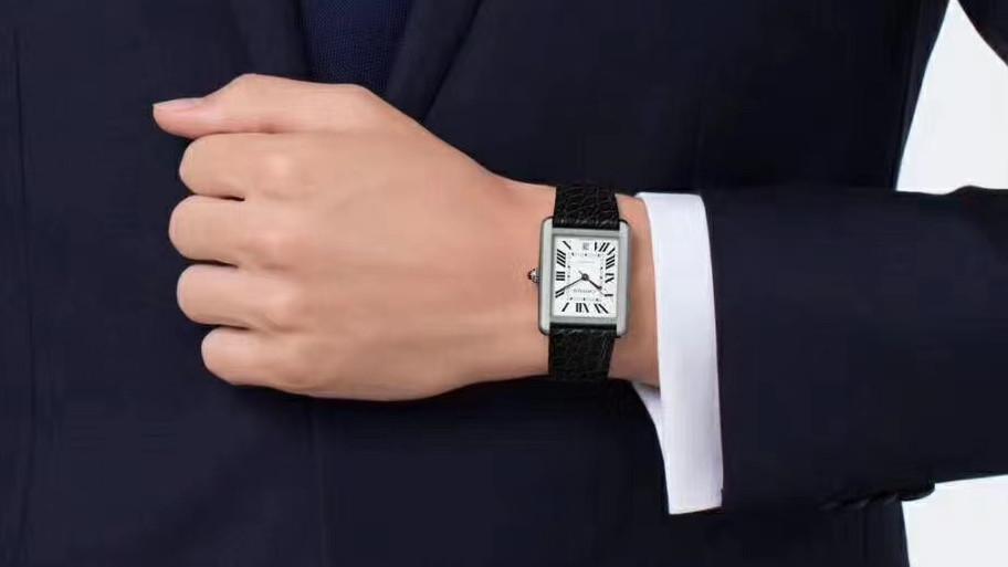 V9卡地亚坦克系列男装腕表细节评测,男人三十岁左右首选的正装腕表
