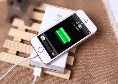 如何给手机正确充电?一次性充到100%,低于20%再充,很多人都错了 数码 电池 手机 手游热点  第5张