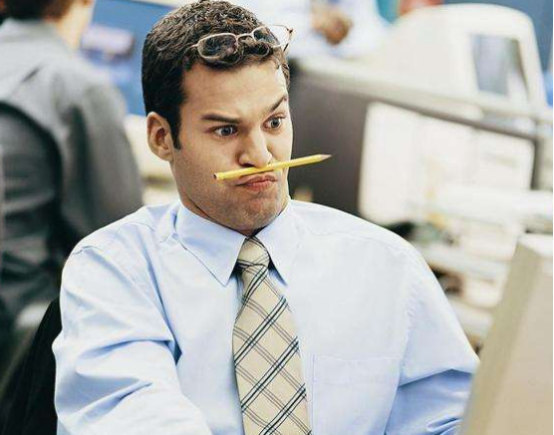 女程序员2次拒绝穿职业装上班被老板辞退,结果7天后老板蒙了