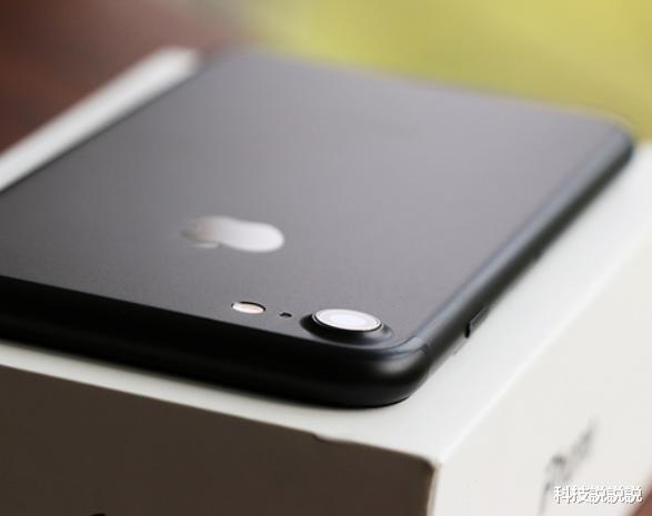 从6188跌到2799,最便宜iPhone诞生,128GB+iOS13!