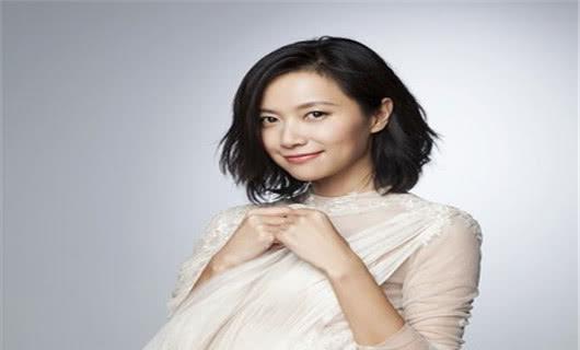"""坚持""""不婚主义""""的4位女星,徐静蕾秦岚上榜,看到她:可惜了基因!"""