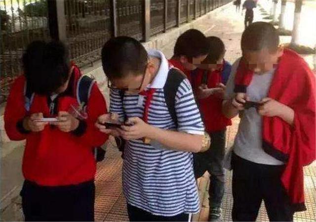 """若孩子偷看""""不良网站"""",手机上3条痕迹一查便知,屡试不爽"""