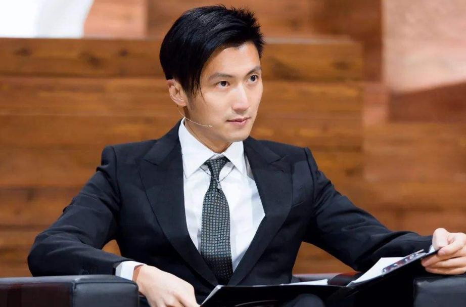 港剧《机场特警》:三个翻版小生齐上阵,谁是下一位TVB视帝?插图16