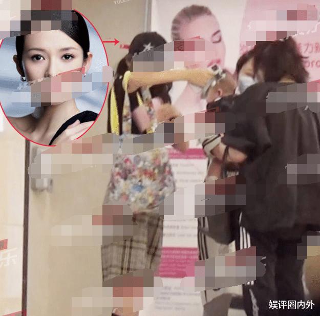 章子怡亲自带第2胎儿子外资医院检查,身材苗条打扮像高中生,老公汪峰缺席