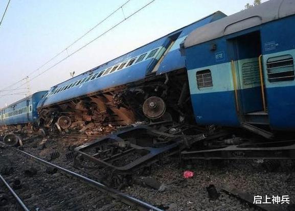 噩耗突然传来,一列客运列车与一列货运列车相撞,造成40多人受伤