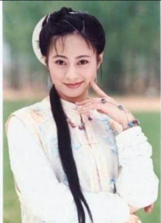 """赵薇""""抢""""了她的角色,她却""""抢""""了赵薇的男友,如今幸福美满"""