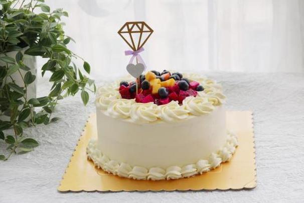 生日蛋糕不是只能买,也可以自己做,过一个更有意义的生日吧