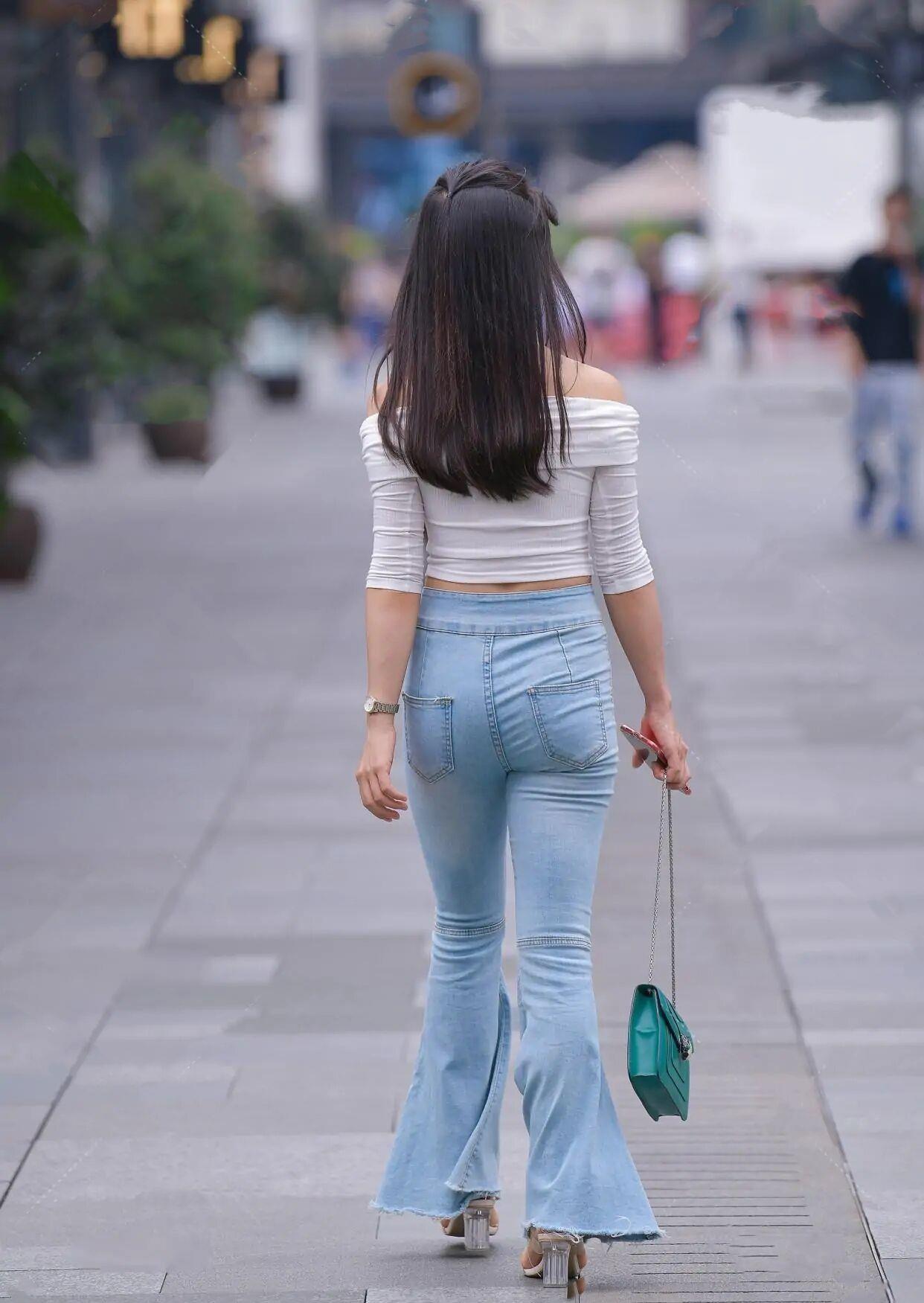 """一向被""""低估""""的喇叭裤,重新归来,却成了""""大象腿""""的克星!插图8"""