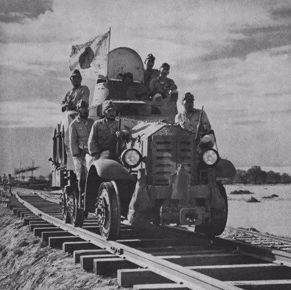 在兰姆伽受训后,远征军官兵发现,骑摩托、吃饭团的日军其实很穷 陆军 单机资讯  第6张