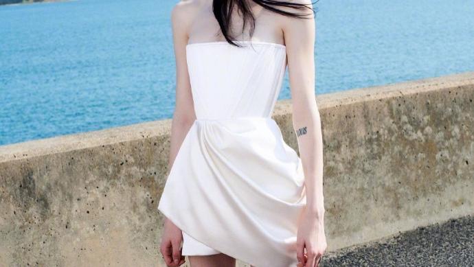 Alex Perry 2021早春系列,诠释女性优雅魅力