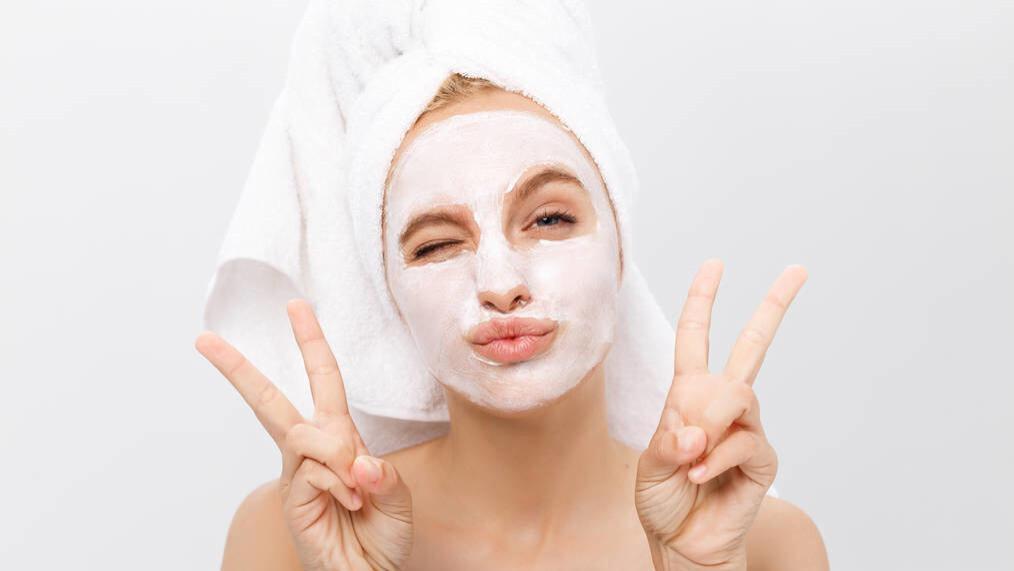 夏季的面膜该丢了,冬季别再瞎用了,小心把皮肤变成敏感肌