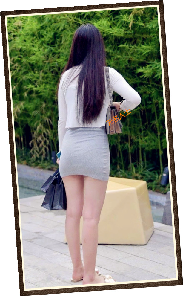长发披肩与众不同,身材高挑容颜靓丽