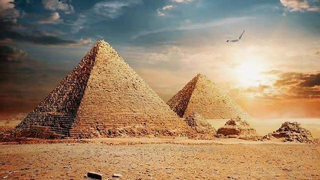 化烟熏妆戴假发,防晒做SPA|古埃及人三千年以前的精致时尚文化